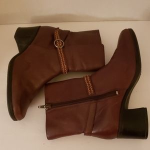 Clark's brown leather ankle boots size 8
